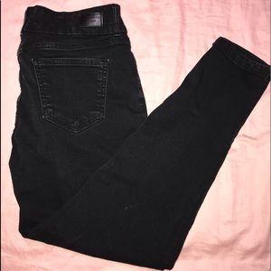 black celebrity pink jeans